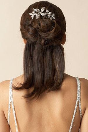 прически на средние волосы с заколками 2013